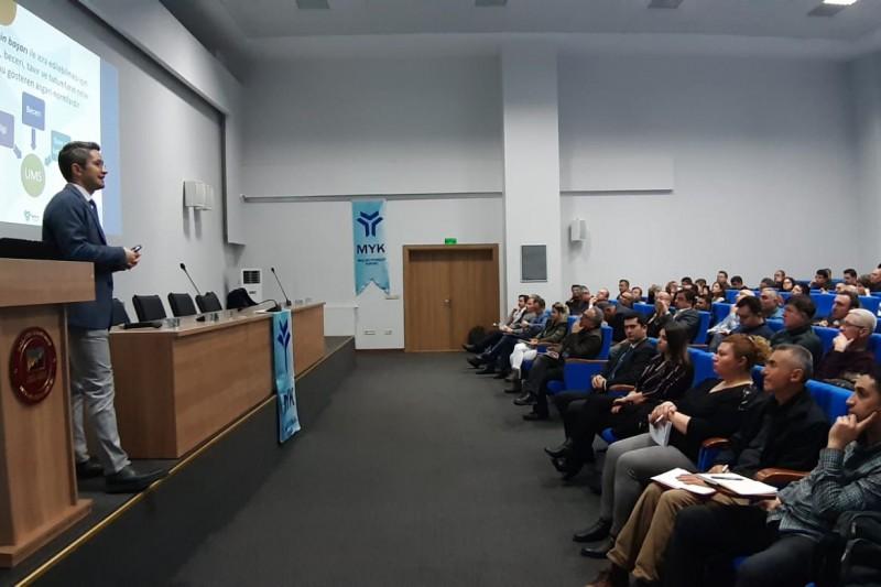 """Yetkilendirme Semineri"""", GSO veMYK iş birliğinde, GSO Mesleki Eğitim Merkezi'nde düzenlendi."""